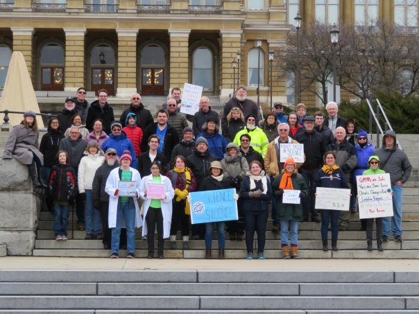 60 marchers line up for a photo on the Iowa Capitol steps before embarking on the second March for Science Iowa. Credit: Shari Hrdina, Bold Iowa.