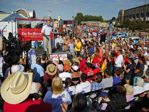 Jeb! Bush speaks at The Des Moines Register's political soapbox at the 2016 Iowa State Fair. Credit: Zach Boyden-Holmes,The Des Moines Register
